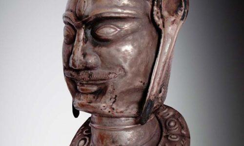 Đầu SHIVA, ca 8°-9° siècle, chất liệu bạc, giá ước lượng 18 000 € / 25 000 €