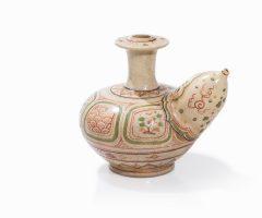 Bình kendi tam thái men rạn theo phong cách thế kỷ 18 – giá ước lượng 1600EUR