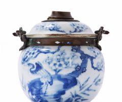 Điếu sứ xanh trắng – bleu de Hue