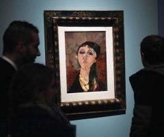 Hàng giả tràn ngập triển lãm tranh Modigliani