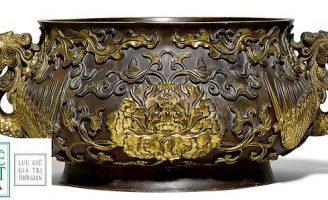 Lư đồng đựng bóng tennis trị giá 4 TRIỆU BẢNG ANH sau khi chuyên gia xác định đây là hiện vật 300 năm tuổi