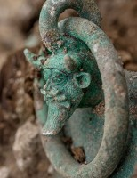 Xe ngựa, cổ vật trong ngôi mộ 2500 năm tuổi của hoàng tử thời Celtic ở Pháp