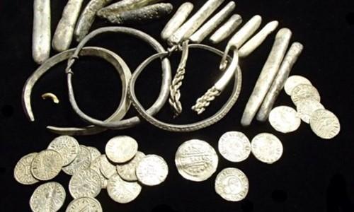Mục kích kho báu vô giá từ thời Viking