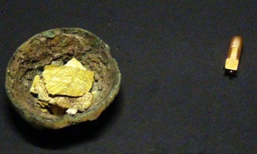 Những cú lừa trong thế giới đồ cổ – kỳ 7 : Câu hỏi quanh chiếc linga bằng vàng