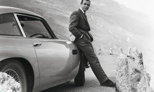 Chiếc Martin DB5 đời 1965 của James Bond được bán với giá hơn 6,3 triệu USD